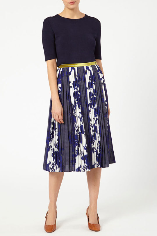 PROVENCE_SKIRT_BLUE_DS032_LYON_KNITTED_TOP_NAVY_DK047_FRONT_52174