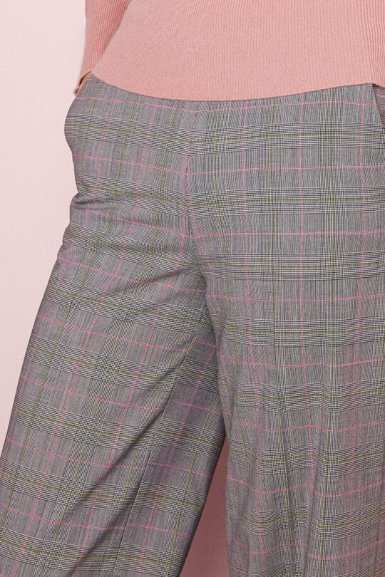 TheFold_Collingham_Wide_Leg Trousers_Check_Spring_Wool_DT071_3_v2