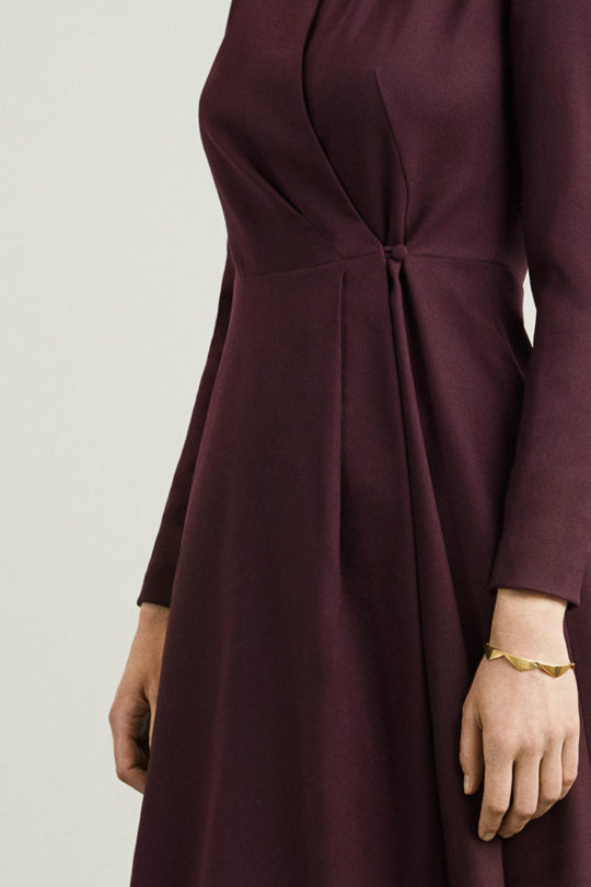 hampton-dress-plum-wool-crepe-closeup-D