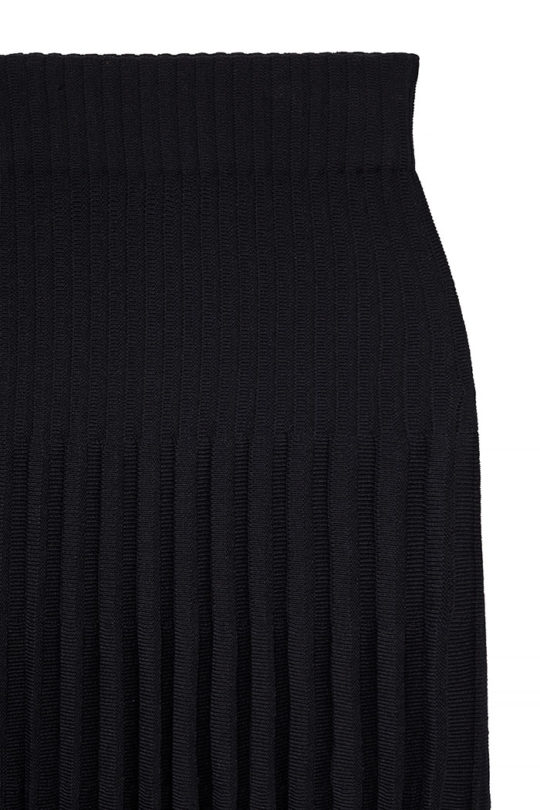 Alverston Skirt Black Rib Knit 4