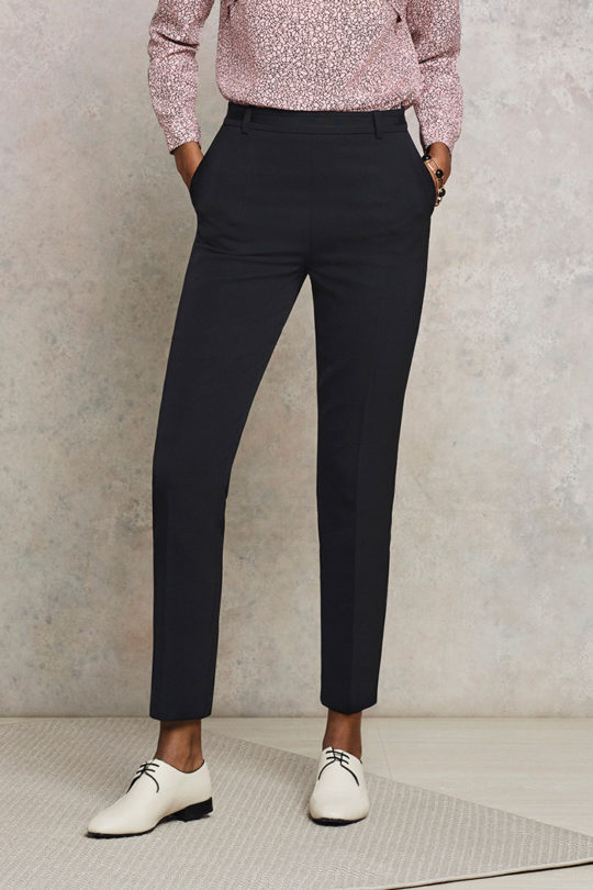 EC1_Tapered_Trousers_Black_Closeup
