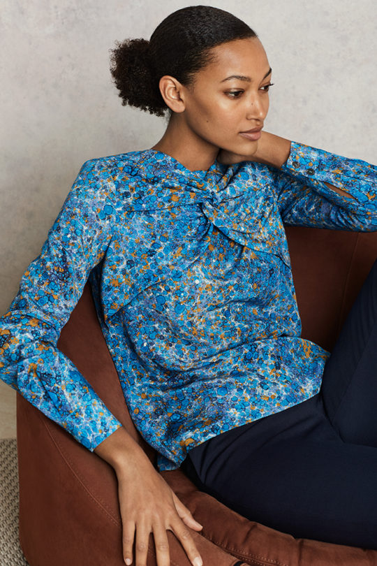Swanfield_Blouse_Blue_Print_Silk_DB038_EC1_Tapered_Trousers_Navy_DT006_0431-copy