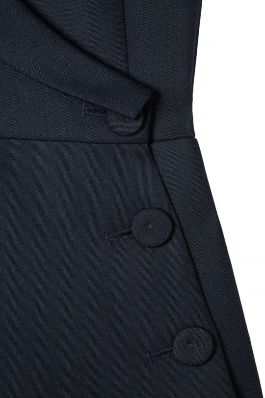 EC1_Asymmetric_Jacket_front_DETAIL