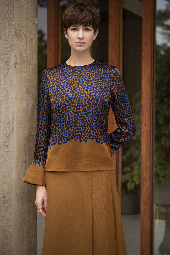 https://thefoldlondon.com/wp-content/uploads/2019/11/191003_THE_FOLD_ELLESMERE_BLOUSE_MULTICOLOUR_EMSWORTH_SKIRT_055_v2.jpg
