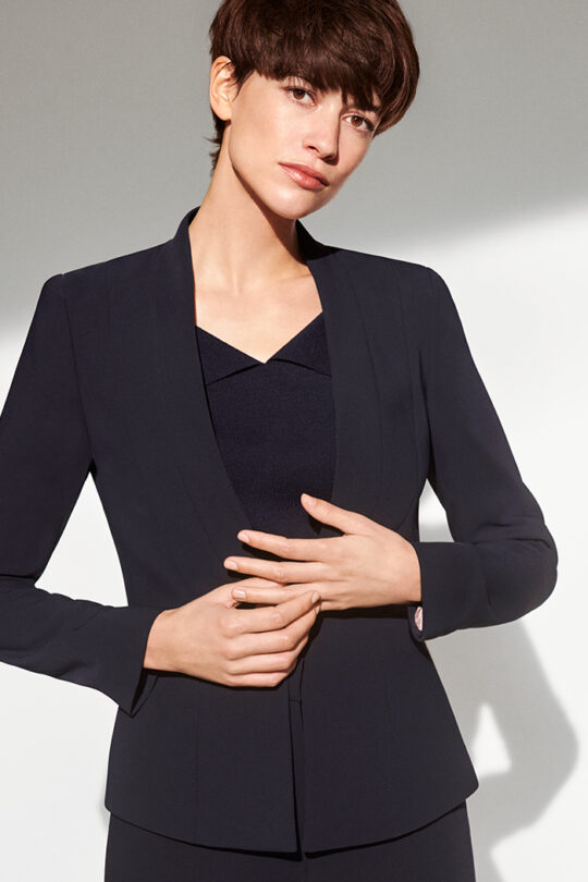 https://thefoldlondon.com/wp-content/uploads/2018/08/191028_THE_FOLD_LE_MARAIS_TUXEDO_JACKET_NAVY_LE_MARAIS_TAILORED_CULOTTES_NAVY__Mariner_Jumper_Navy_DK024_291_v2.jpg