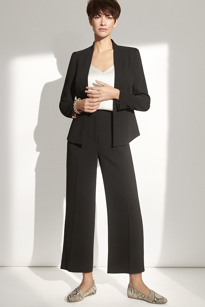 https://thefoldlondon.com/wp-content/uploads/2018/12/191028_THE_FOLD_Le_Marais_Tuxedo_Jacket_Black_DD101_LE_MARAIS_CULOTTES_BLACK_CATALINA_SNAKE_018_v2.jpg