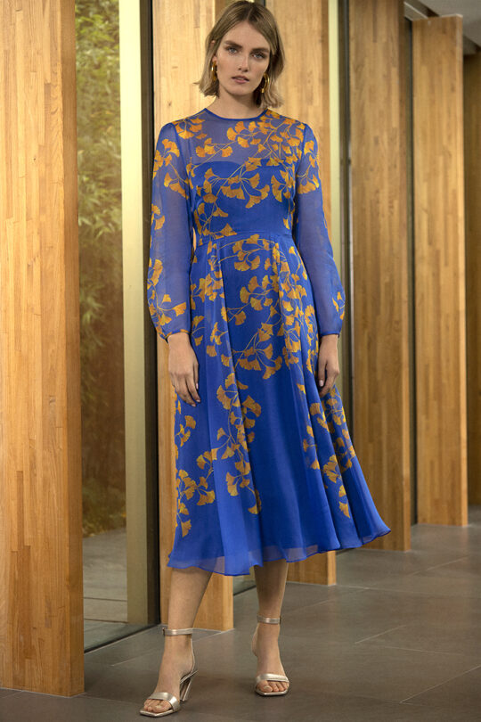 https://thefoldlondon.com/wp-content/uploads/2020/02/191106_THE_FOLD_ROSEMOOR_DRESS_BLUE_DP190__060_v2.jpg