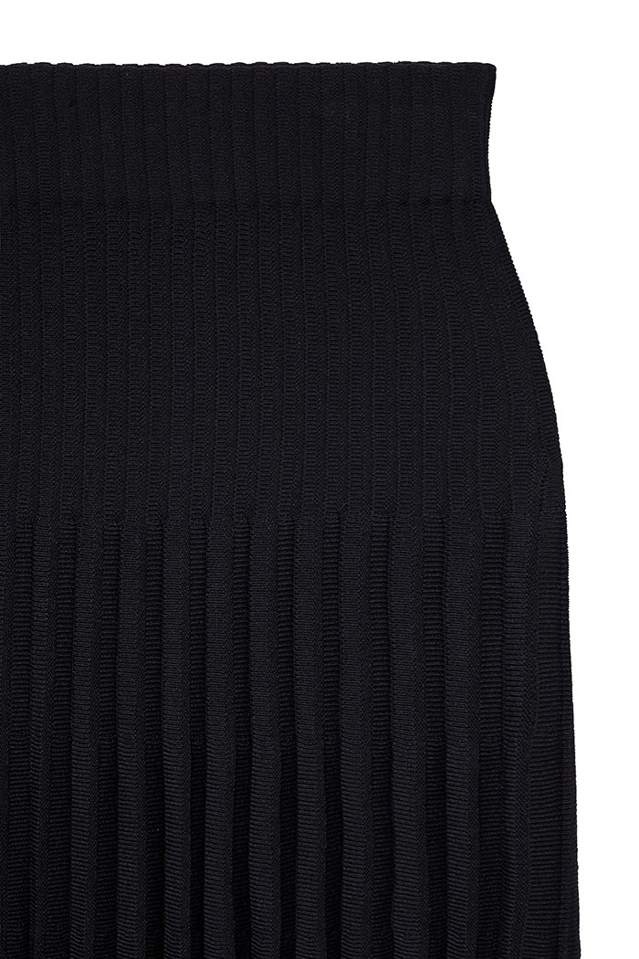 https://thefoldlondon.com/wp-content/uploads/2018/11/5980_ALVERSTON-SKIRT_DETAIL.jpg