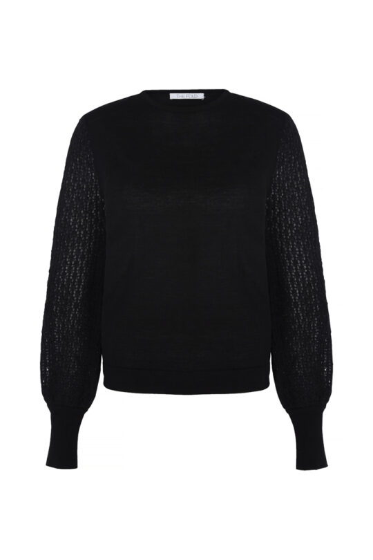 https://thefoldlondon.com/wp-content/uploads/2018/11/5980_DORRINGTON-JUMPER_FRONT.jpg