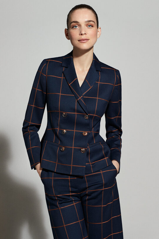 https://thefoldlondon.com/wp-content/uploads/2019/08/ASTWOOD-JACKET-TOFFEE-AND-NAVY-CHECK-DJ027_ASTWOOD-CULOTTES-TOFFEE-AND-NAVY-CHECK-DT032_7869_v2.jpg