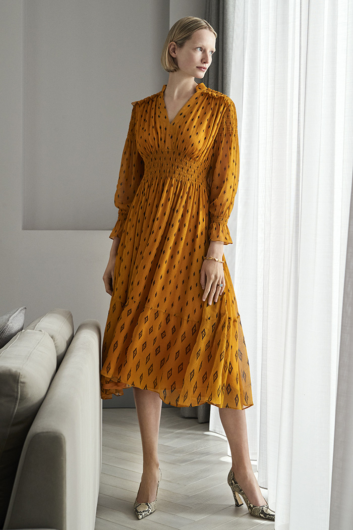 https://thefoldlondon.com/wp-content/uploads/2019/05/BELLAGIO-DRESS-TUSCANY-GOLD-DD126_0020_v2.jpg