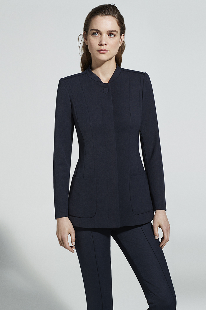 https://thefoldlondon.com/wp-content/uploads/2019/05/EC1-LONG-LINE-JACKET-DJ025_6262_v2.jpg