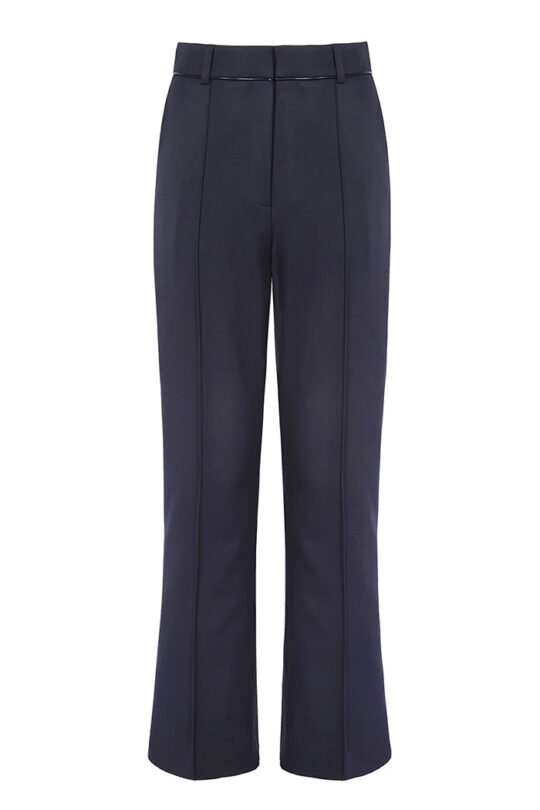 https://thefoldlondon.com/wp-content/uploads/2019/02/EC1-SLIM-BOOTCUT-TROUSERS_NAVY_FRONT.jpg
