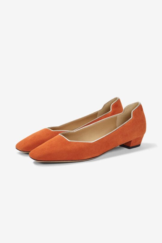https://thefoldlondon.com/wp-content/uploads/2020/02/GENOA_25_ORANGE_SUEDE_DA038_CUTOUT_PAIR-1.jpg