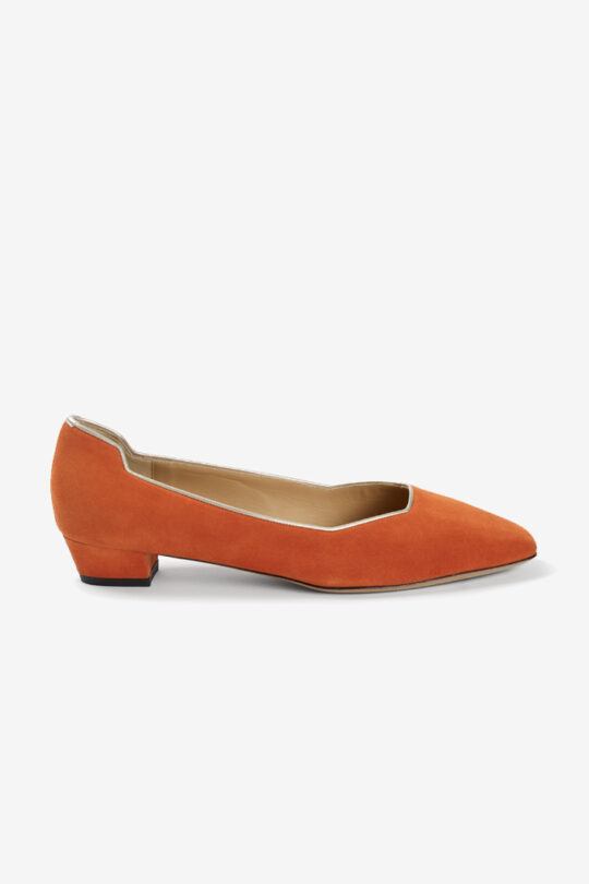 https://thefoldlondon.com/wp-content/uploads/2020/02/GENOA_25_ORANGE_SUEDE_DA038_CUTOUT_SINGLE.jpg
