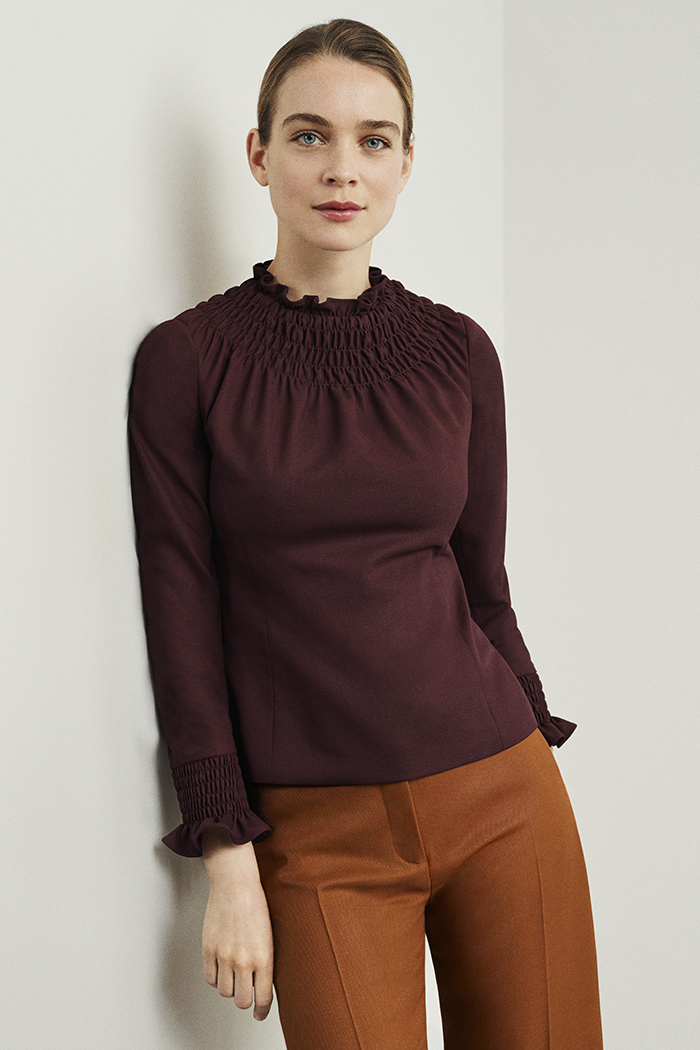 https://thefoldlondon.com/wp-content/uploads/2019/07/Highfield_Top_Plum_Wool_Crepe_DB065_AW19-v2.jpg