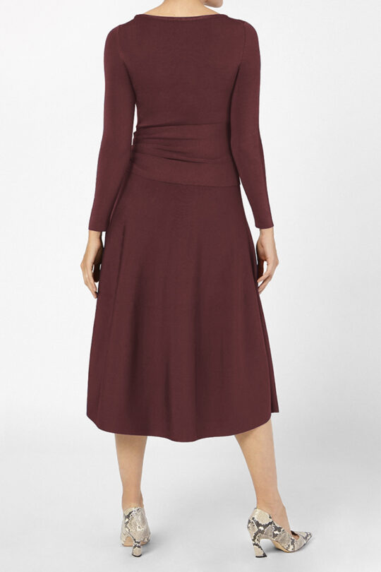 https://thefoldlondon.com/wp-content/uploads/2015/08/KNITTED_CAMELOT_DRESS_BORDEAUX_41397_v4.jpg
