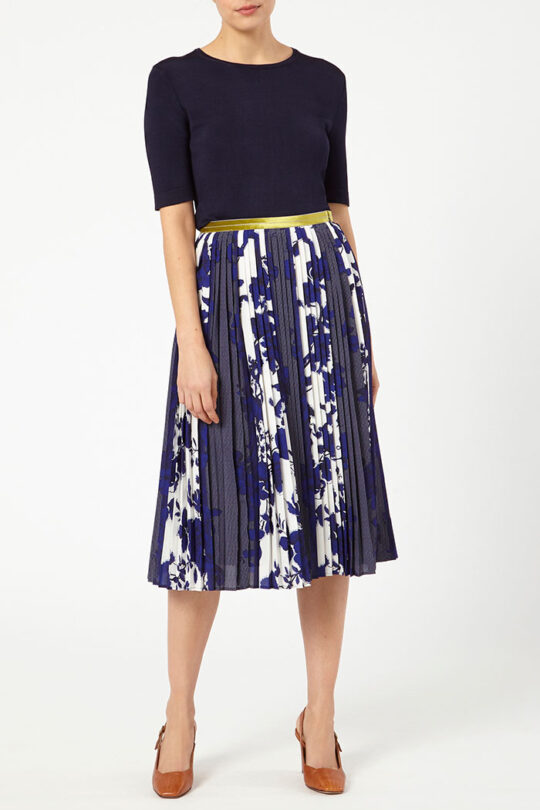 PROVENCE_SKIRT_BLUE_DS032_LYON_KNITTED_TOP_NAVY_DK047_FRONT_52174.jpg