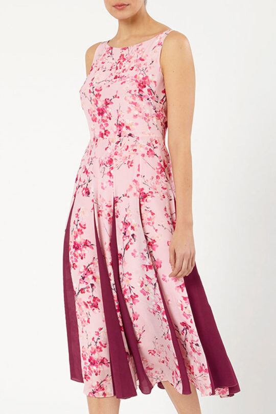 https://thefoldlondon.com/wp-content/uploads/2015/08/SANDBOURNE_DRESS_PINK_DD201_FRONT_53478-1.jpg