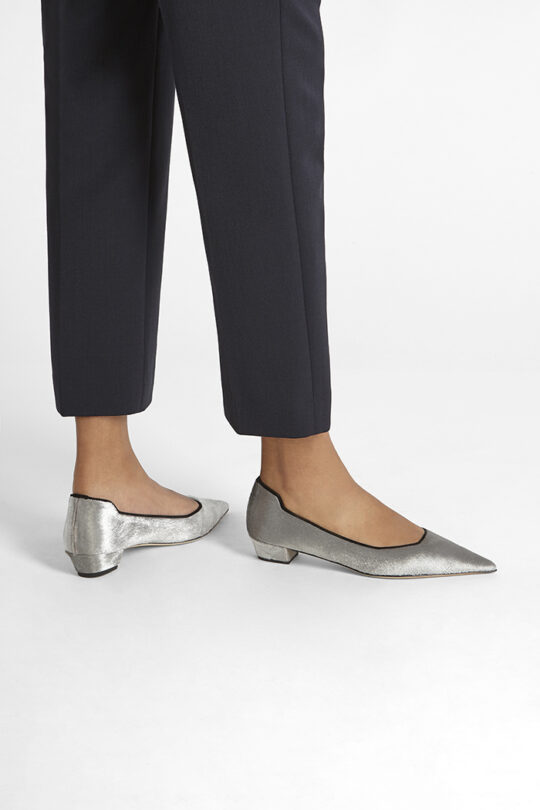 https://thefoldlondon.com/wp-content/uploads/2019/08/SIENA-SHOE_SILVER-PONY_35224.jpg
