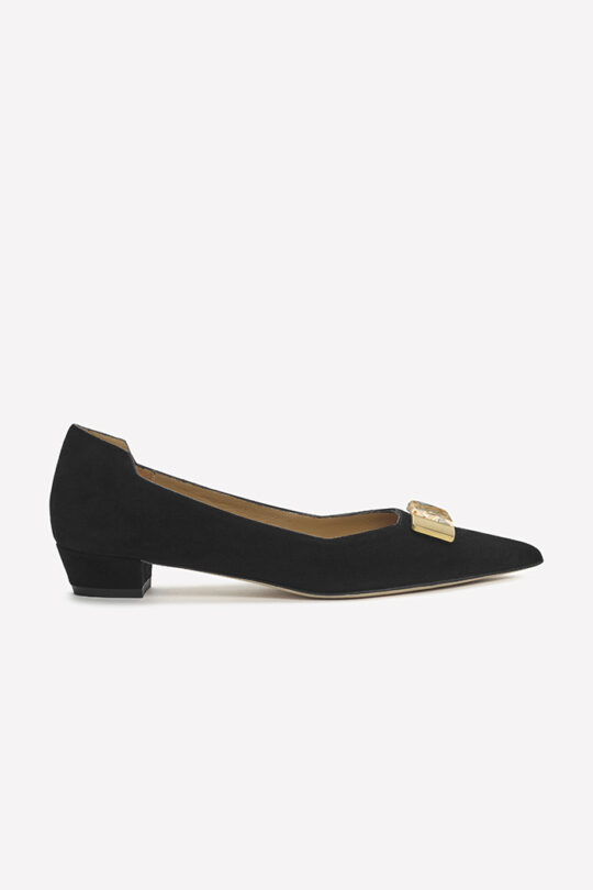 https://thefoldlondon.com/wp-content/uploads/2019/08/Siena_Black_wstone.jpg