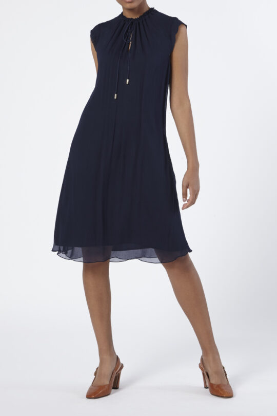 https://thefoldlondon.com/wp-content/uploads/2015/08/TheFold_Andeville_Dress_Navy_Crinkled_Georgette_DD204_Front_v2.jpg