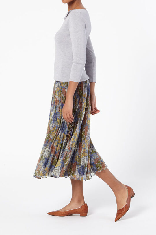 https://thefoldlondon.com/wp-content/uploads/2015/08/TheFold_Sandford_Skirt_Printed_Chiffon_DS039_Side_v2.jpg