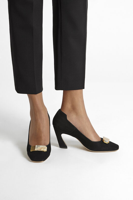 https://thefoldlondon.com/wp-content/uploads/2019/08/VENEZIA-SHOE_BLACK-SUEDE_WITH-STONE_34607.jpg