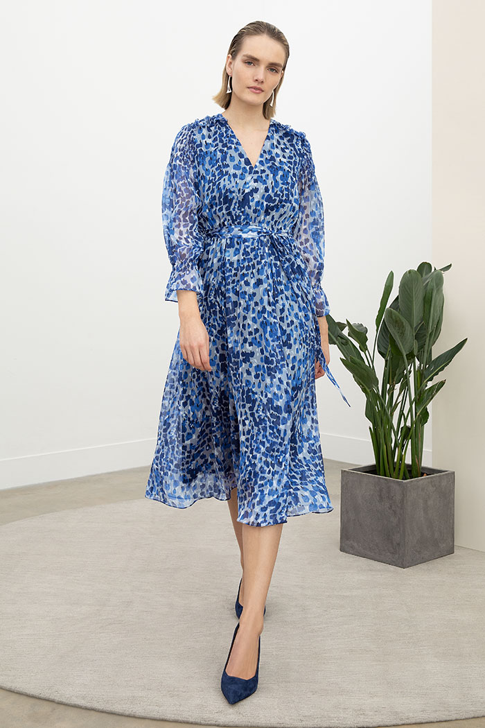 https://thefoldlondon.com/wp-content/uploads/2015/08/VERSAILLES_DRESS_BLUE_DD206_042_V2.jpg