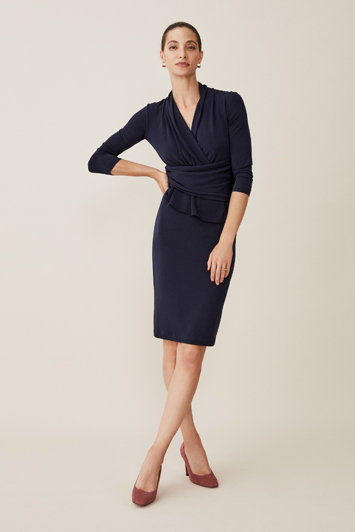 https://thefoldlondon.com/wp-content/uploads/2015/08/TheFold_ARLINGTON_JERSEY_DRESS_NAVY_DD0981_2.jpg