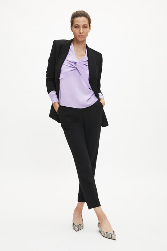 https://thefoldlondon.com/wp-content/uploads/2015/08/TheFold_AYRSHIRE_BLOUSE_LAVENDER_SILK_DB111_2.jpg