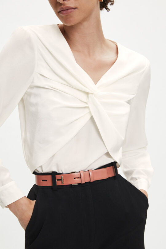 https://thefoldlondon.com/wp-content/uploads/2015/08/TheFold_AYRSHIRE_IVORY_SILK_BLOUSE_DB109_2_v2.jpg