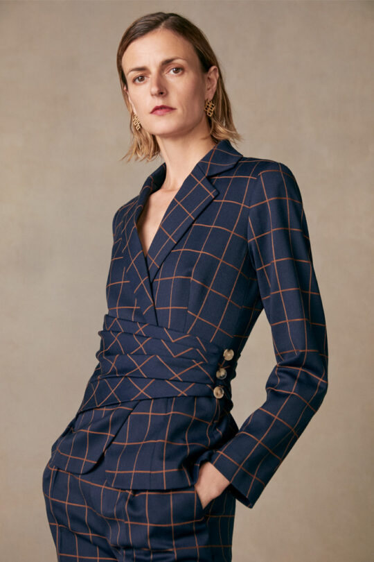 https://thefoldlondon.com/wp-content/uploads/2015/08/TheFold_COLLINGHAM_JACKET_NAVY_AND_TOFFEE_CHECK_JACQUARD_DJ052_2.jpg