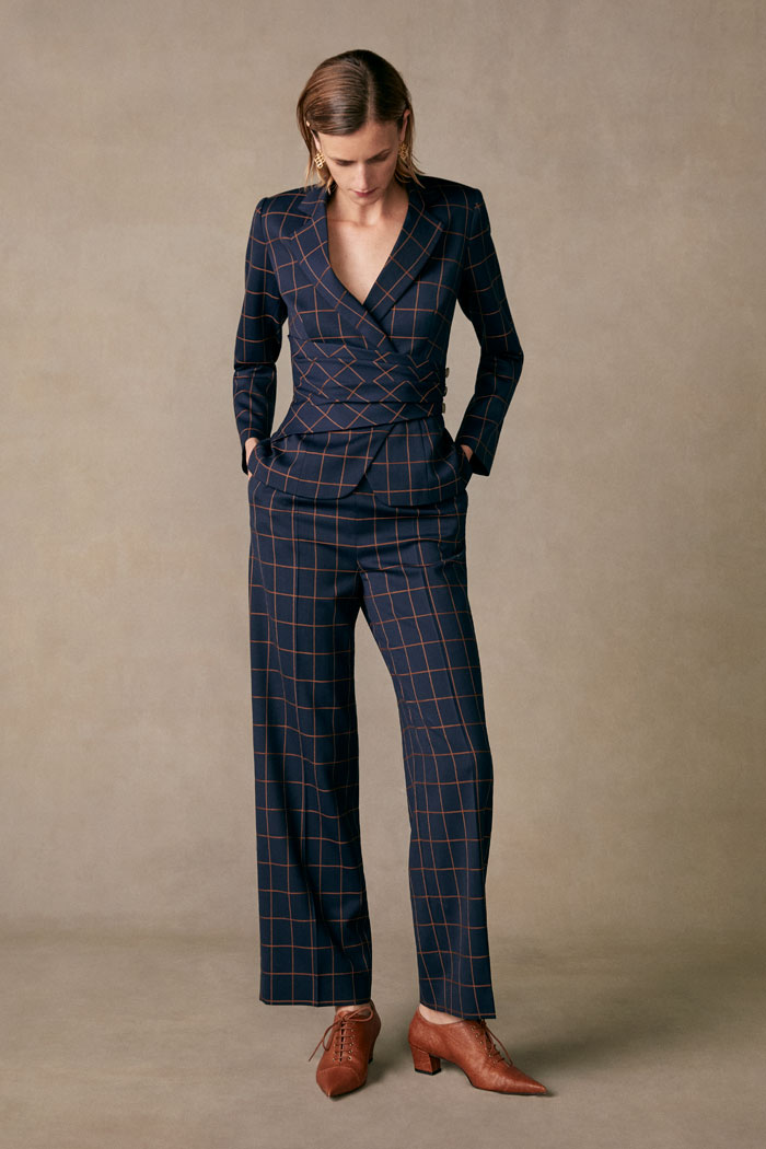 https://thefoldlondon.com/wp-content/uploads/2015/08/TheFold_COLLINGHAM_TROUSERS_NAVY_AND_TOFFEE_CHECK_JACQUARD_DT063_132_v2.jpg