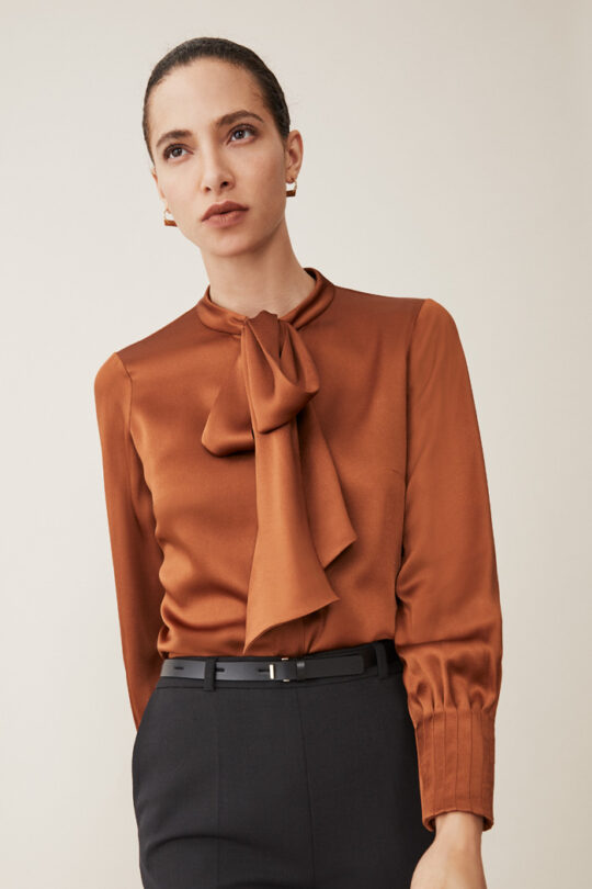 https://thefoldlondon.com/wp-content/uploads/2015/08/TheFold_DELORAINE_BLOUSE_TOFFEE_SATIN_DB114_1_2.jpg..jpg