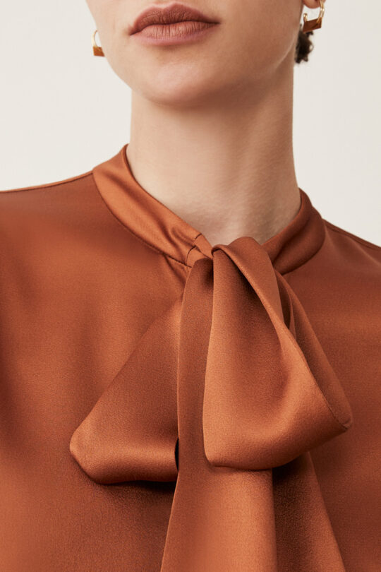TheFold_DELORAINE_BLOUSE_TOFFEE_SATIN_DB114_3_2.jpg..jpg
