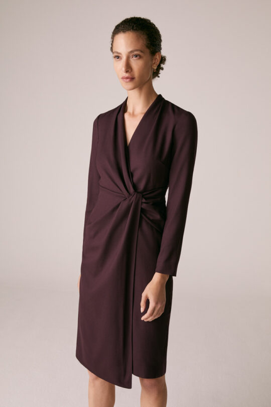 https://thefoldlondon.com/wp-content/uploads/2015/08/TheFold_GREENWICH_DRESS_PLUM_WOOL_CREPE_DD221_1_2.jpg