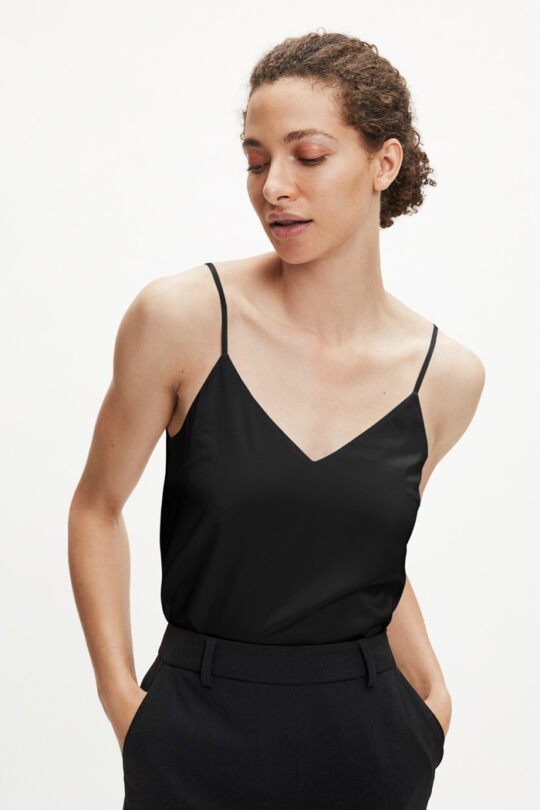 https://thefoldlondon.com/wp-content/uploads/2015/08/TheFold_HAYDON-TOP_BLACK_SILK-SATIN_DB049_2.jpg