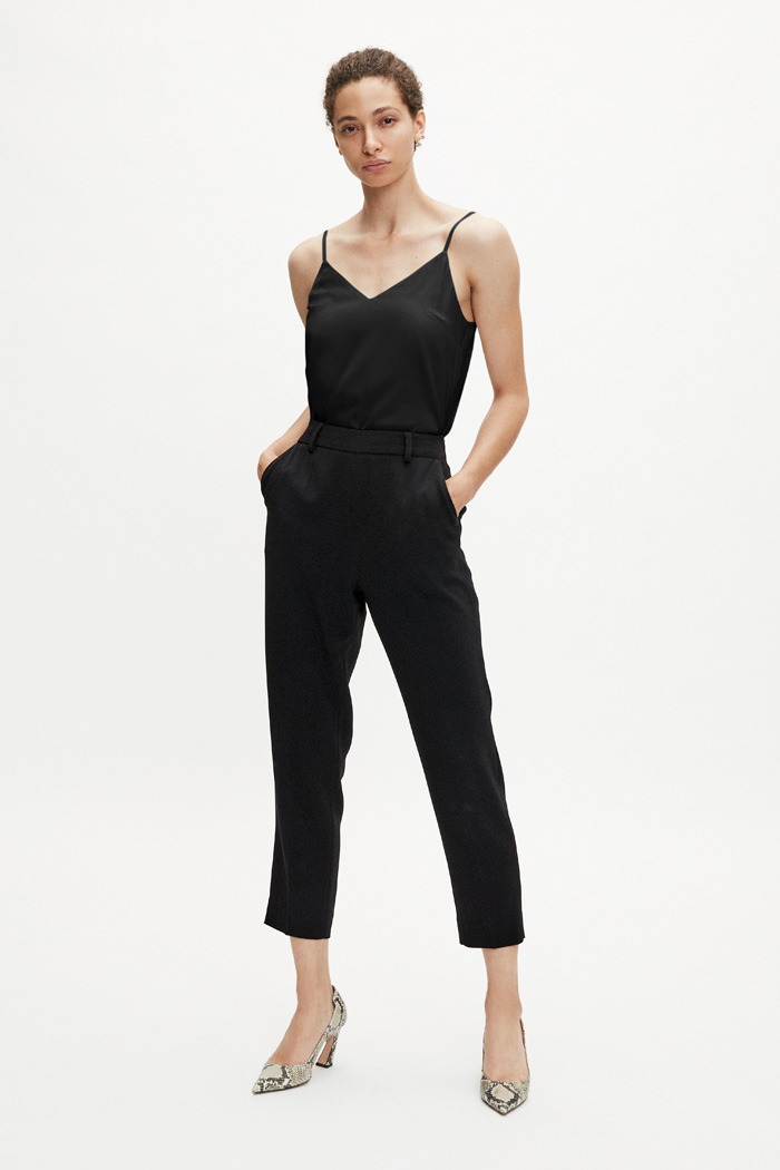 https://thefoldlondon.com/wp-content/uploads/2015/08/TheFold_HAYDON-TOP_BLACK_SILK-SATIN_DB049_2.jpg..jpg