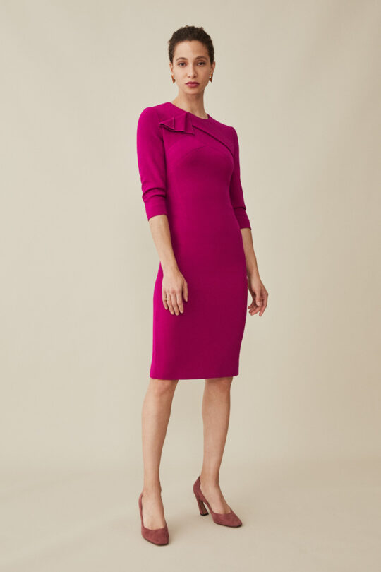 https://thefoldlondon.com/wp-content/uploads/2015/08/TheFold_KENLEY_DRESS_MAGENTA_CREPE_DD192_006_v2.jpg