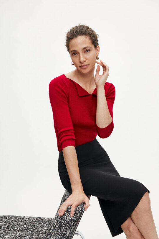 https://thefoldlondon.com/wp-content/uploads/2015/08/TheFold_MARINER_JUMPER_RED_DK049_100_v2.jpg