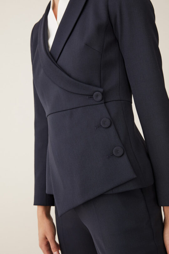TheFold_Ultimate_Wool_ASYMMETRIC_JACKET_NAVY_DJ023_4_2.jpg
