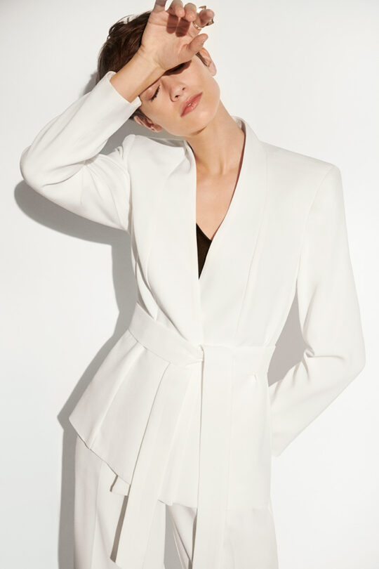 https://thefoldlondon.com/wp-content/uploads/2020/02/191028_THE_FOLD_WHITE_WRAP_JACKET__ALMEIDA_TROUSERS_WHITE_DT014_249_v2.jpg