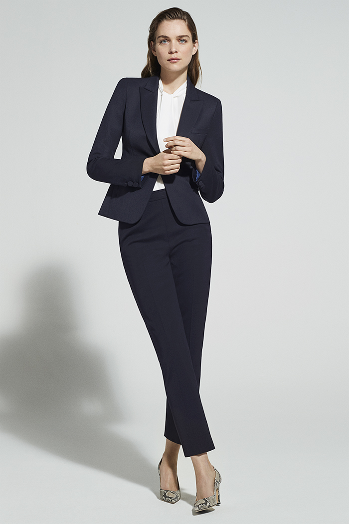 https://thefoldlondon.com/wp-content/uploads/2018/07/EC1-TAILORED-JACKET-BLACK-DJ001_6799_NAVY_v2.jpg