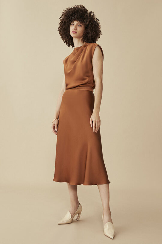 https://thefoldlondon.com/wp-content/uploads/2015/08/KELMORE-SKIRT-TOFFEE-SATIN_DS038_143_v2.jpg