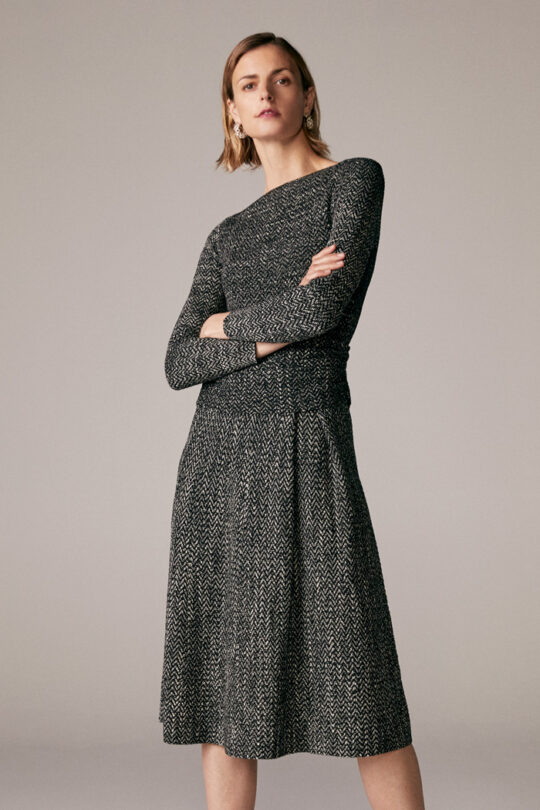 https://thefoldlondon.com/wp-content/uploads/2015/08/TheFold_Camelot_Dress_Black_And_White_Knitted_Tweed_DD240_1_v2.jpg