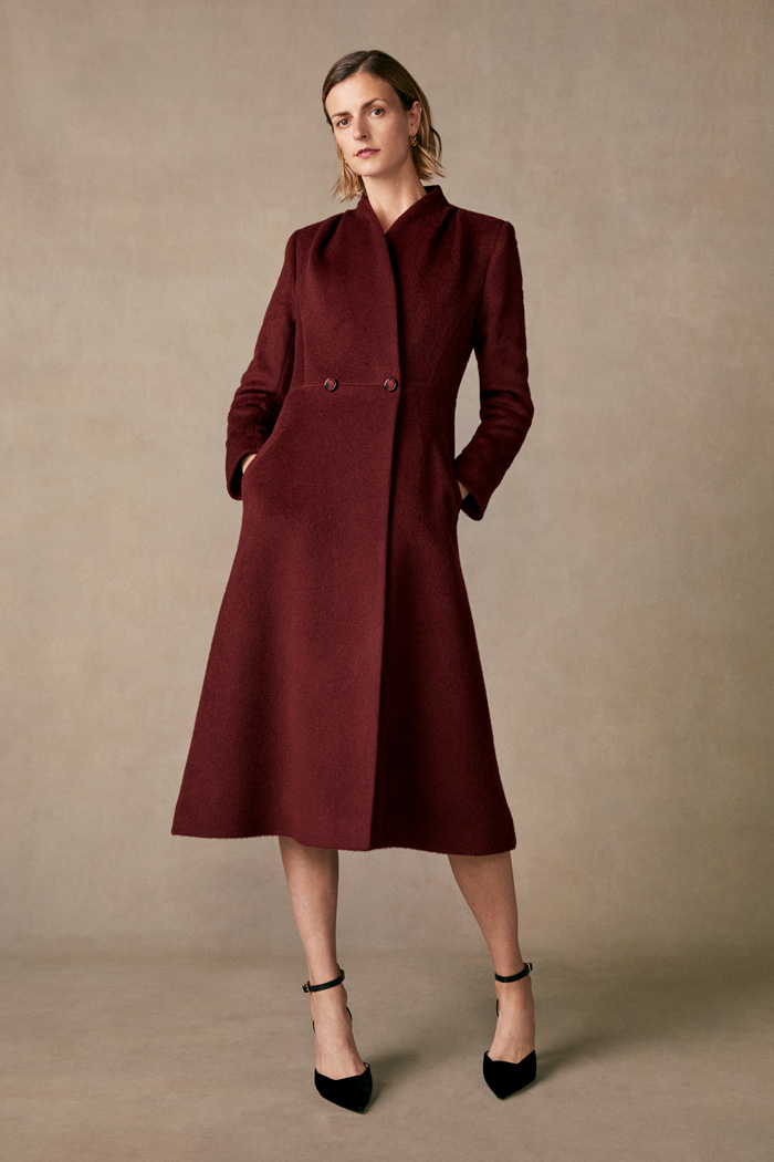 https://thefoldlondon.com/wp-content/uploads/2015/08/TheFold_Finchley_Coat_Burgundy_Premium_Wool_DO018_2_v2.jpg