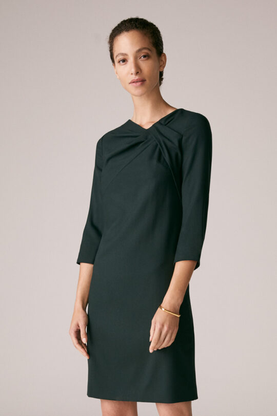 https://thefoldlondon.com/wp-content/uploads/2015/08/TheFold_Harlescott_Dress_Green_Wool_Crepe_DD230_1_v2.jpg