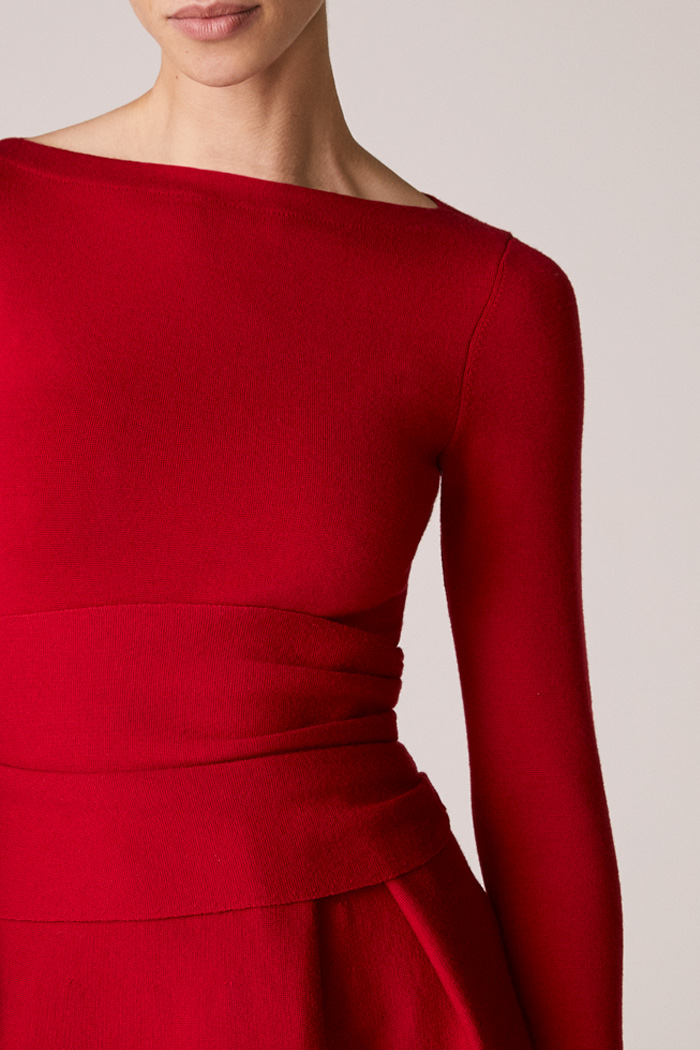https://thefoldlondon.com/wp-content/uploads/2015/08/TheFold_Knitted_Camelot_Dress_Red_Merino_DD241_3_v2.jpg