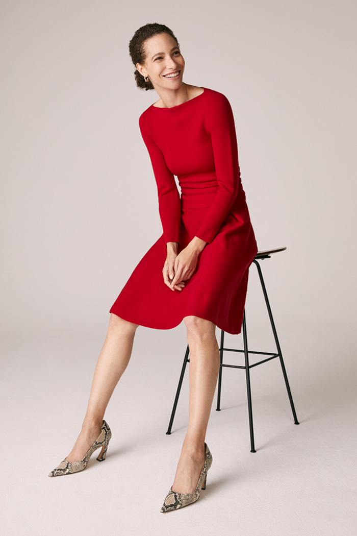 https://thefoldlondon.com/wp-content/uploads/2015/08/TheFold_Knitted_Camelot_Dress_Red_Merino_DD241_4_v2.jpg